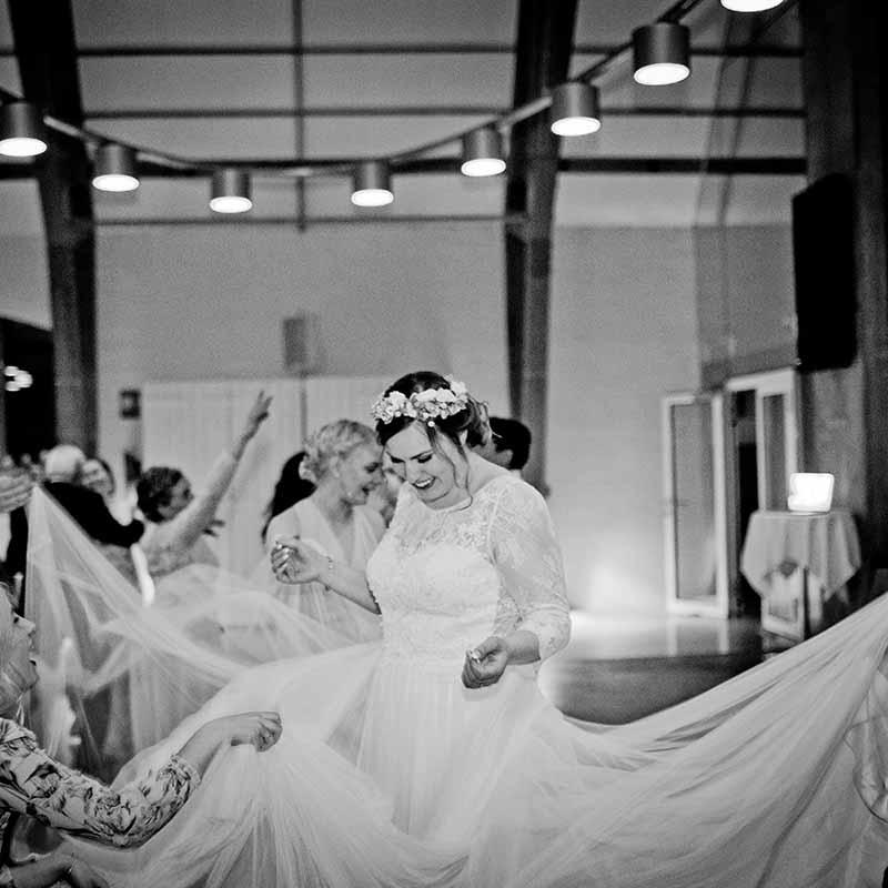 Som bryllupsfotograf sørger jeg for at fange minderne til dit bryllup